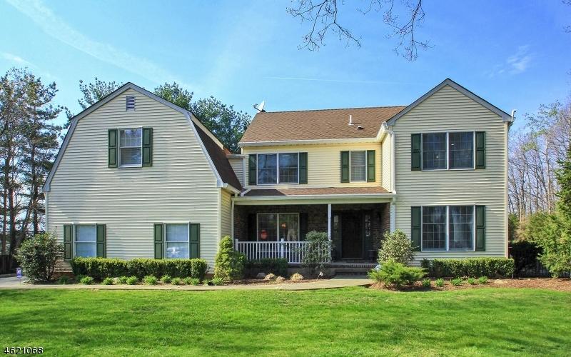 Частный односемейный дом для того Продажа на 260 Oldwoods Road Franklin Lakes, Нью-Джерси 07417 Соединенные Штаты