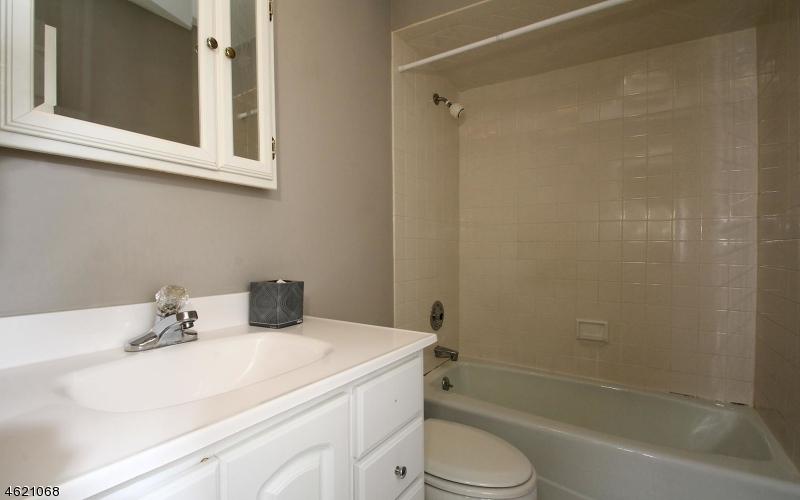 Additional photo for property listing at 260 Oldwoods Road  Franklin Lakes, Нью-Джерси 07417 Соединенные Штаты
