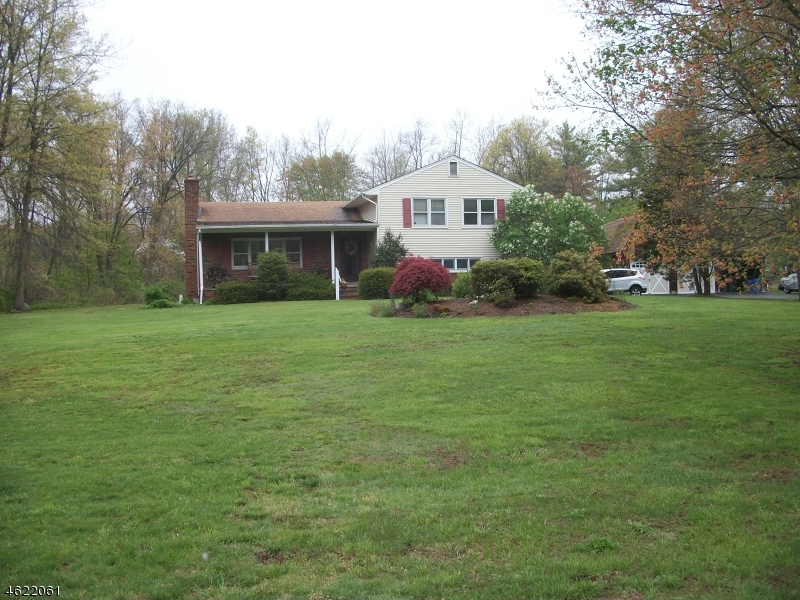 Additional photo for property listing at 30 Tiger Lily Lane  Morristown, New Jersey 07960 États-Unis