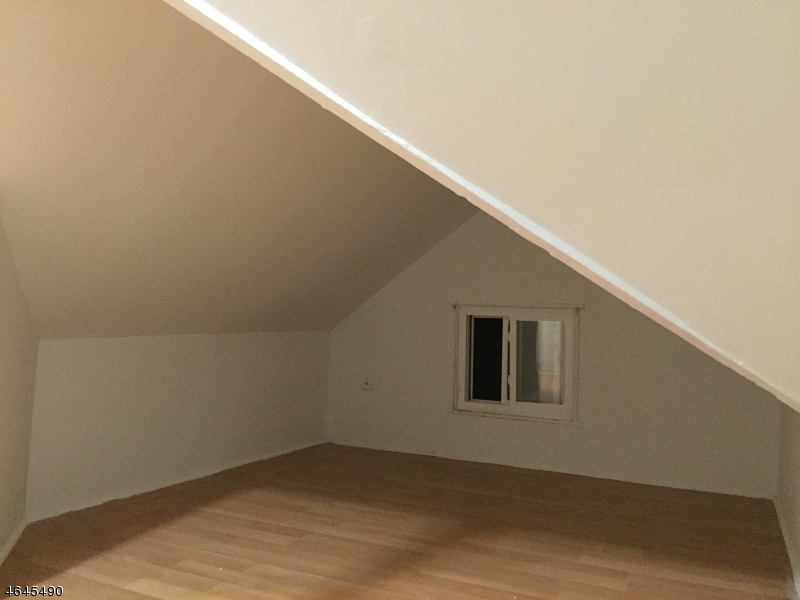 Additional photo for property listing at 6 Gibson Place  Elizabeth, New Jersey 07208 États-Unis