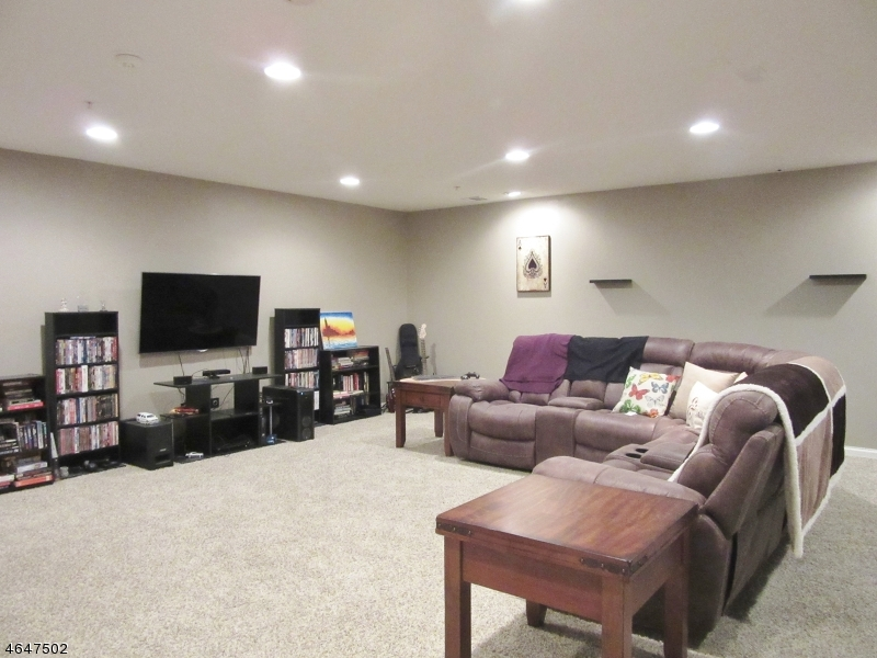 Additional photo for property listing at 118 Mountainside Drive  朋普顿雷克, 新泽西州 07442 美国
