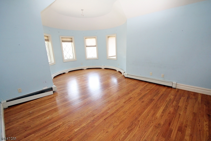 Additional photo for property listing at 12 GARDEN Court  Saddle River, New Jersey 07458 United States