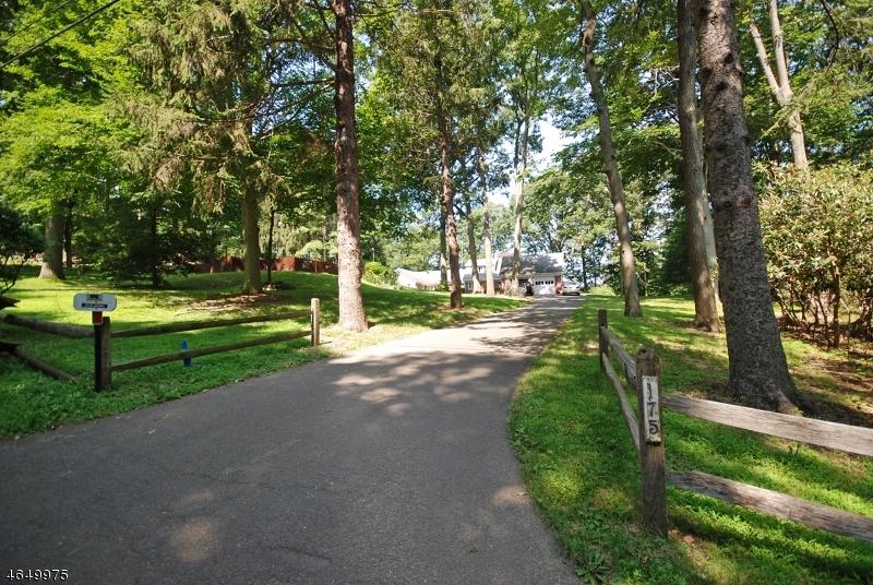 Terrain pour l Vente à 175 Roundtop Road Bernardsville, New Jersey 07924 États-Unis