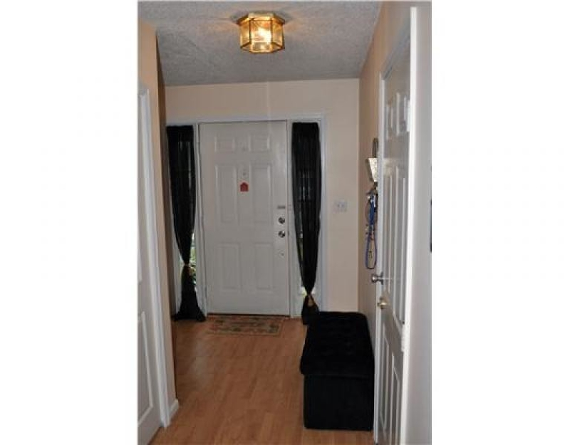 Additional photo for property listing at 44 Sapphire Lane  Franklin Park, Нью-Джерси 08823 Соединенные Штаты