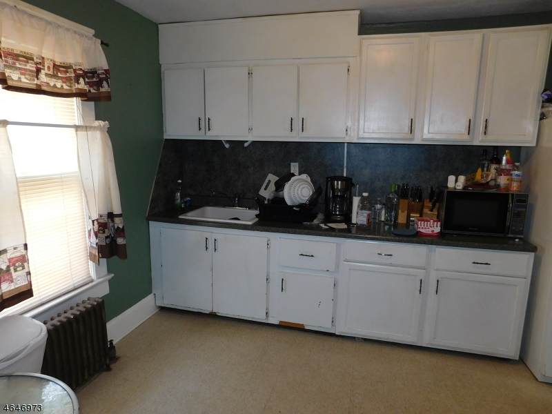 Additional photo for property listing at 712 W Camplain Road  Manville, Нью-Джерси 08835 Соединенные Штаты