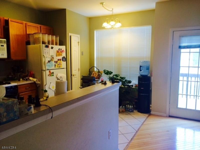 Additional photo for property listing at 141 Gladstone Drive  Parsippany, Нью-Джерси 07054 Соединенные Штаты