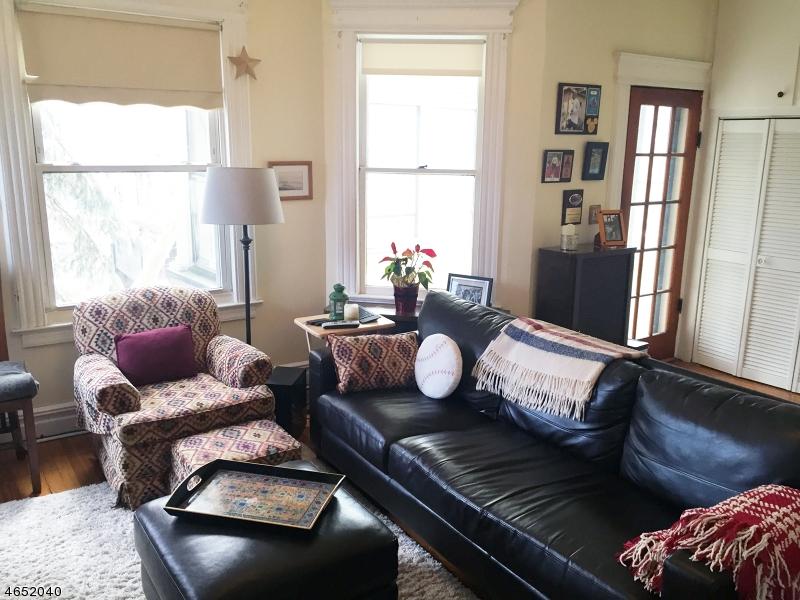 Maison avec plusieurs logements pour l Vente à 212 Hillside Avenue Glen Ridge, New Jersey 07028 États-Unis