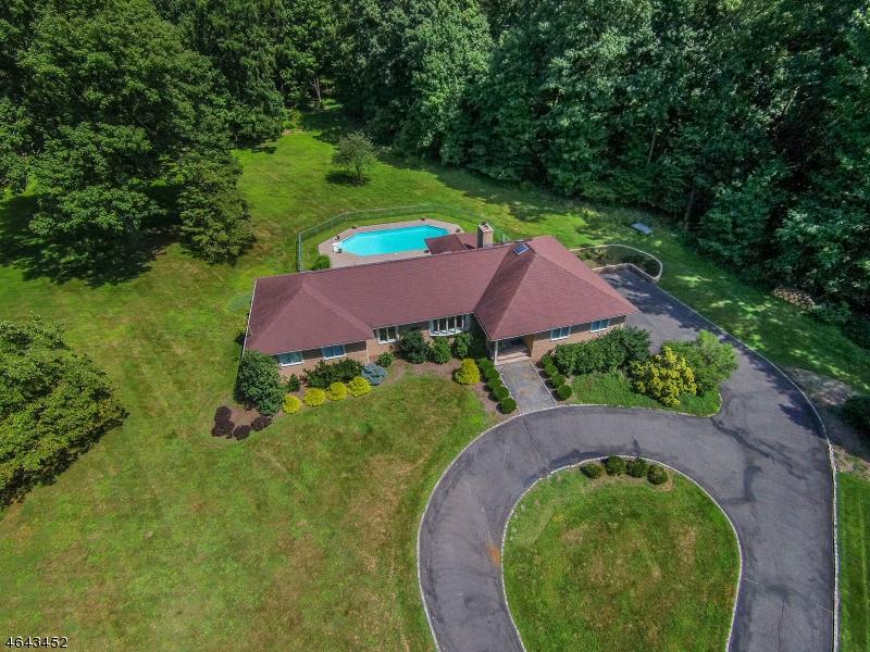 Casa Unifamiliar por un Alquiler en 4 ECHO Lane Randolph, Nueva Jersey 07869 Estados Unidos