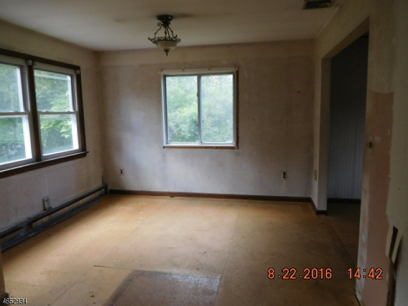 Additional photo for property listing at 6 Auche Drive  Franklin, Nueva Jersey 07416 Estados Unidos
