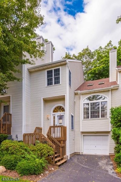 独户住宅 为 销售 在 3 Erin Way Lincoln Park, 07035 美国