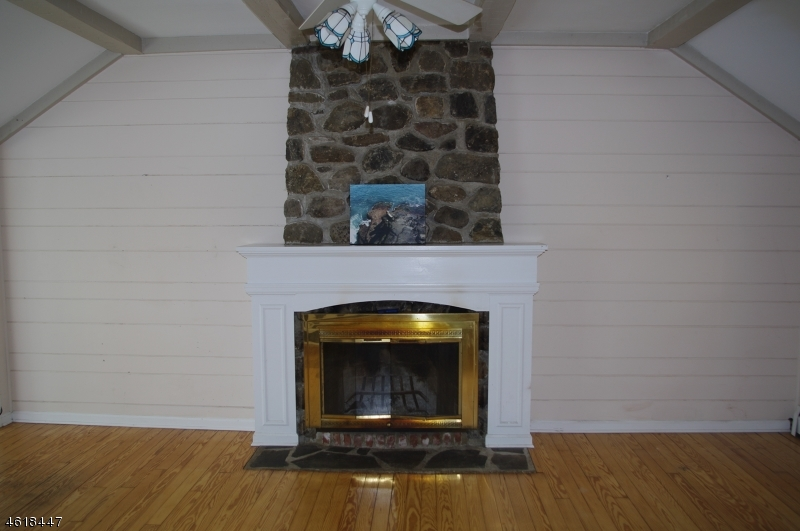 Additional photo for property listing at 7 Indian Trail  Sparta, Nueva Jersey 07871 Estados Unidos