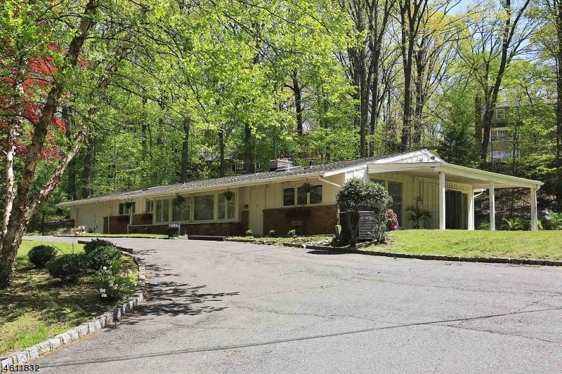 Maison unifamiliale pour l Vente à 75 Seney Drive Bernardsville, New Jersey 07924 États-Unis