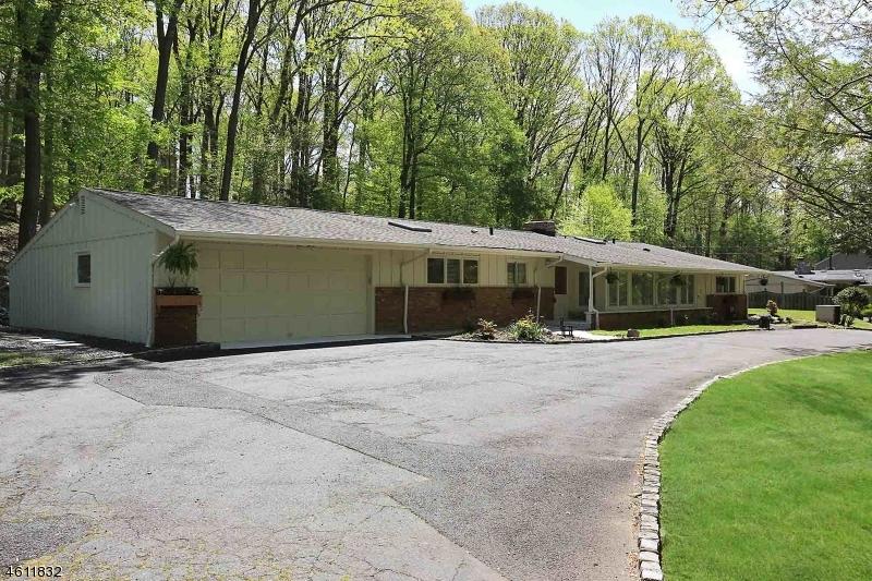 Additional photo for property listing at 75 Seney Drive  Bernardsville, New Jersey 07924 États-Unis