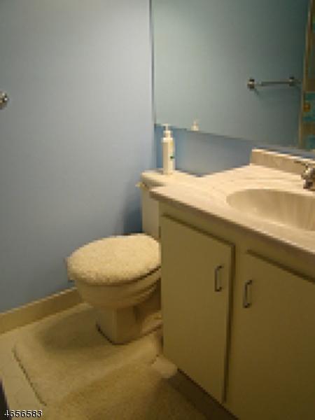 Additional photo for property listing at 106 Brokaw Court  布里奇沃特, 新泽西州 08807 美国