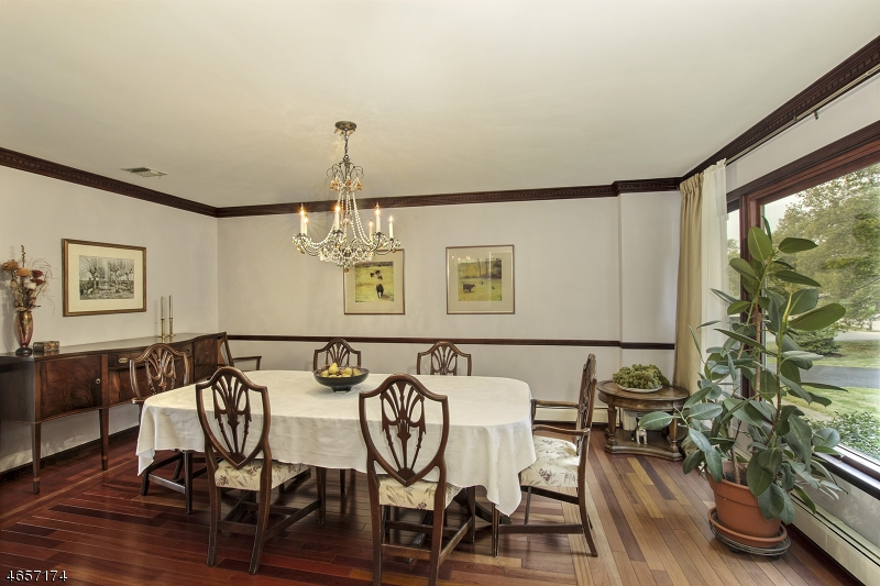 Additional photo for property listing at 12 Cambridge Drive  长谷, 新泽西州 07853 美国