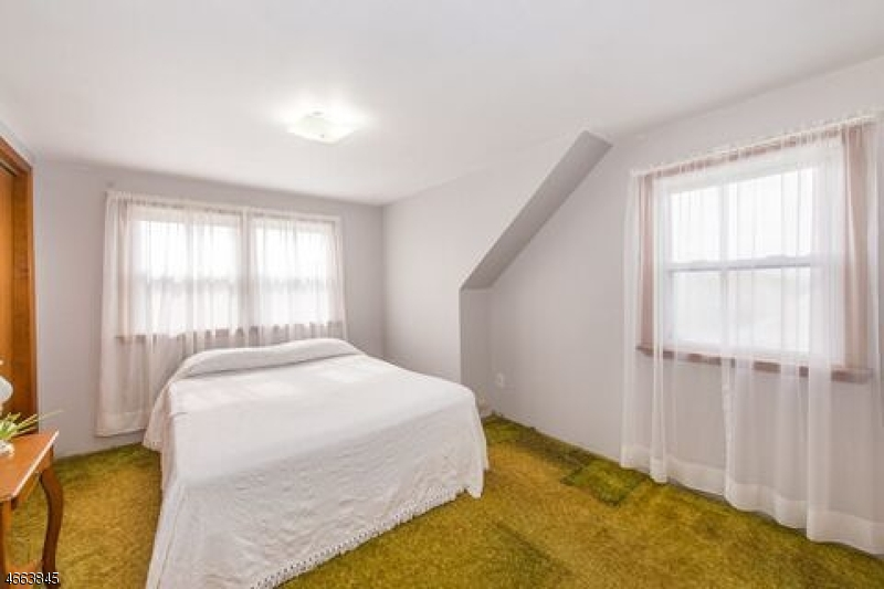 Additional photo for property listing at 35 Winslow Place  Woodland Park, New Jersey 07424 États-Unis