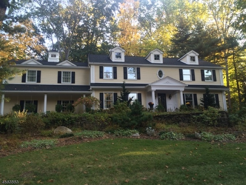 Additional photo for property listing at 115 Yeoman Court  Saddle River, Нью-Джерси 07458 Соединенные Штаты