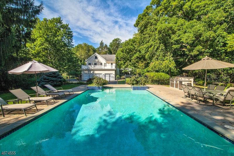 独户住宅 为 销售 在 88 Birch Lane 米尔本, 07078 美国