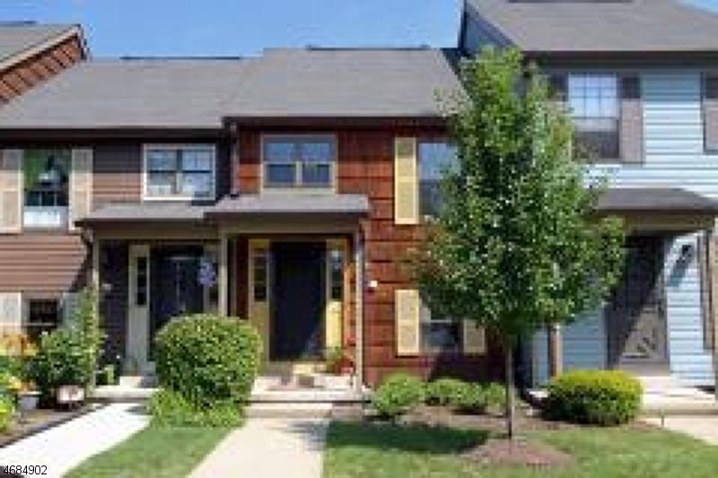 独户住宅 为 出租 在 96 Wood Duck Court 哈克特斯镇, 新泽西州 07840 美国