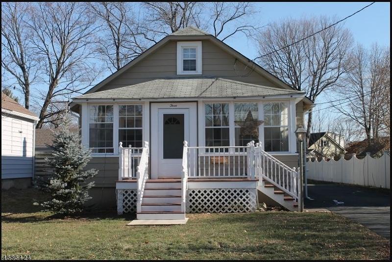 Частный односемейный дом для того Аренда на 3 Delmar Avenue Morris Plains, Нью-Джерси 07950 Соединенные Штаты