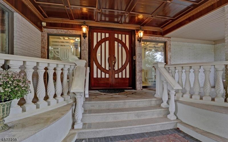 Single Family Home for Sale at 30 Vanderbilt Drive Livingston, 07039 United States