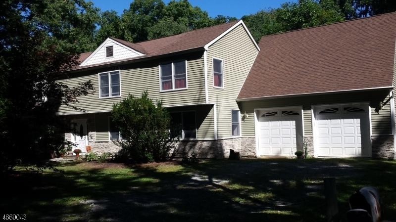 独户住宅 为 销售 在 38 Legion Road Oak Ridge, 07438 美国