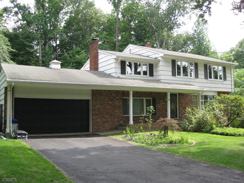 Maison unifamiliale pour l Vente à 48 Sunrise Drive Montvale, New Jersey 07645 États-Unis