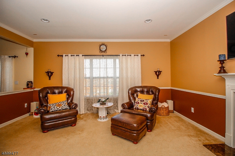 Additional photo for property listing at 37 Willocks Circle  Franklin, New Jersey 08873 United States