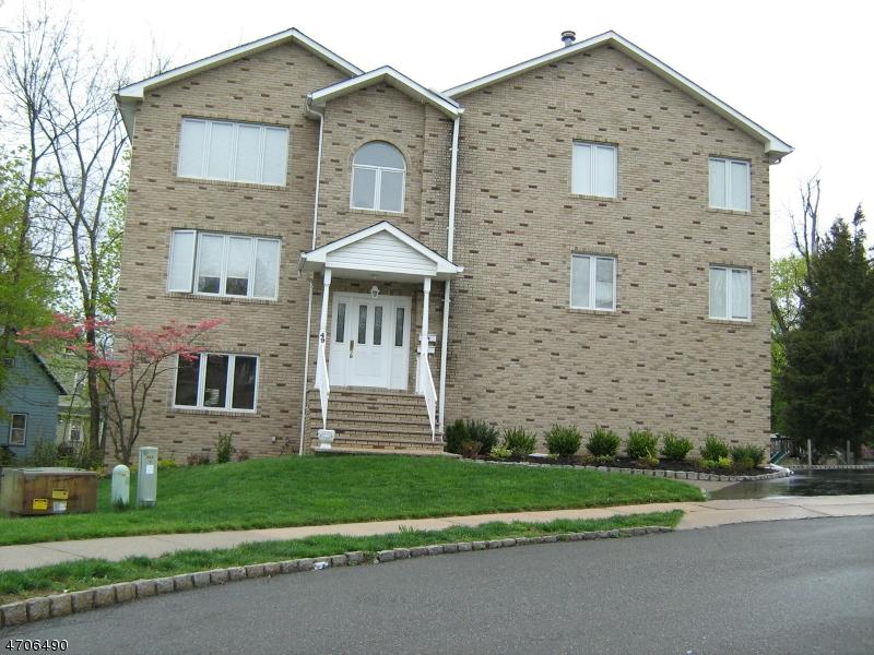 Maison unifamiliale pour l à louer à 49 Cleveland Street Caldwell, New Jersey 07006 États-Unis