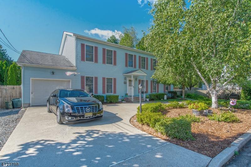 Частный односемейный дом для того Продажа на 495 Ramapo Street Pompton Lakes, 07442 Соединенные Штаты