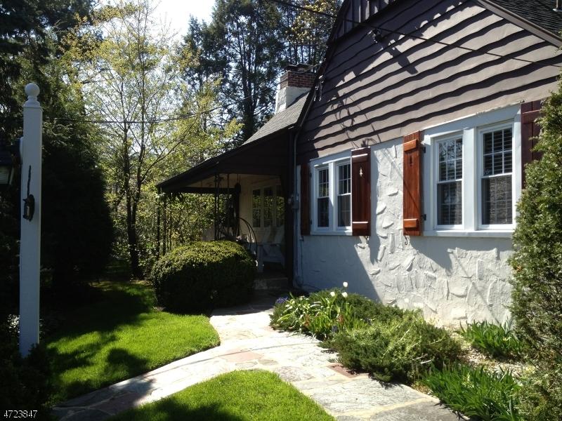 Частный односемейный дом для того Аренда на 71 Glen Avenue Millburn, Нью-Джерси 07041 Соединенные Штаты