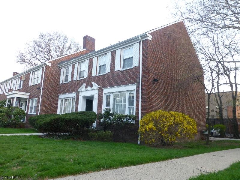 Casa Unifamiliar por un Alquiler en 42-B MEADOWBROOK Place Maplewood, Nueva Jersey 07040 Estados Unidos
