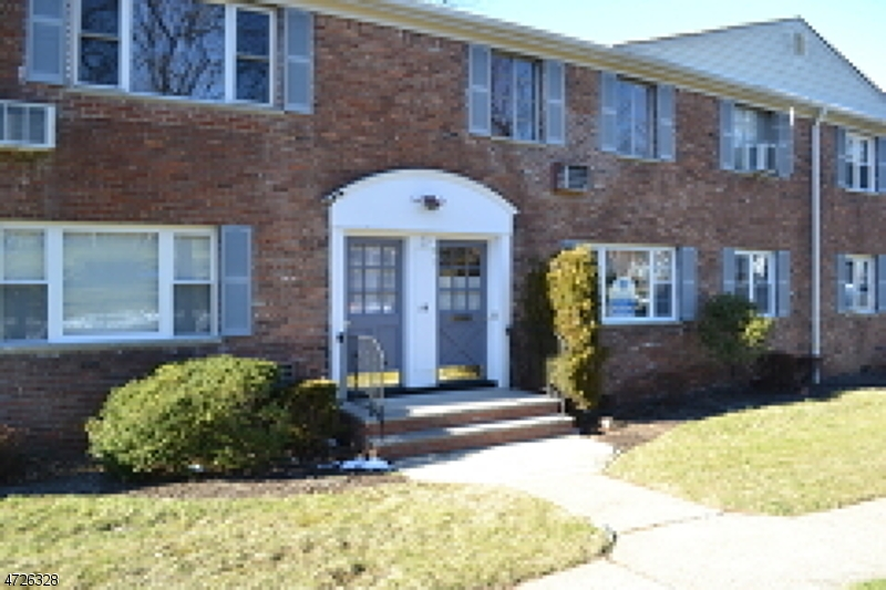 Single Family Home for Rent at 14 Wedgewood Dr, Unit 19 Verona, New Jersey 07044 United States
