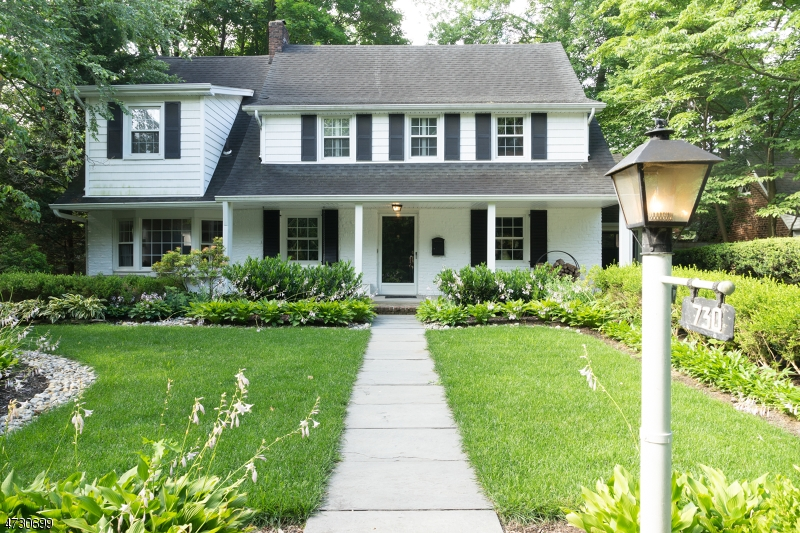 Single Family Home for Sale at 730 River Road Teaneck, New Jersey 07666 United States