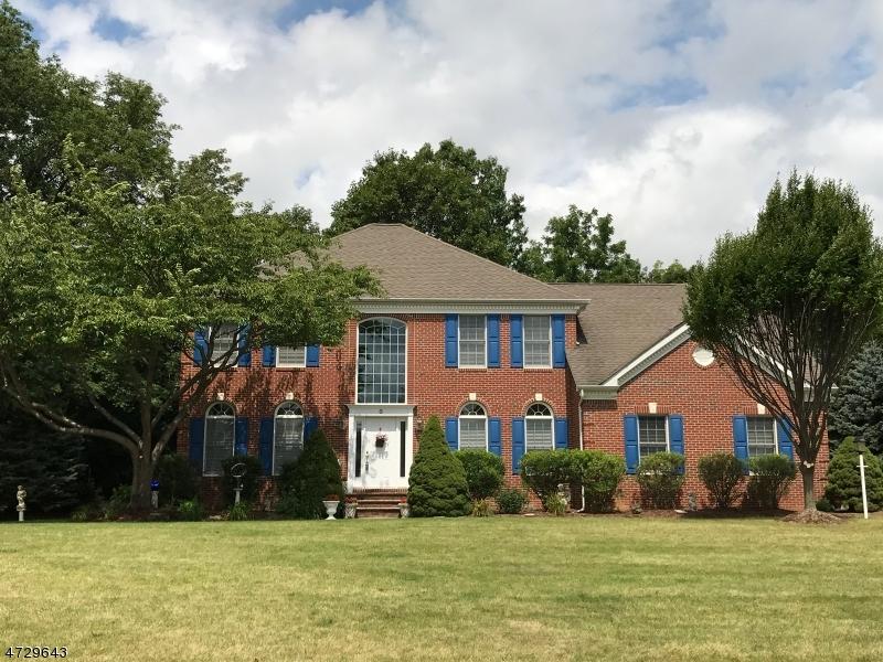 Частный односемейный дом для того Продажа на 8 MOHAWK CROSSING Vernon, Нью-Джерси 07462 Соединенные Штаты