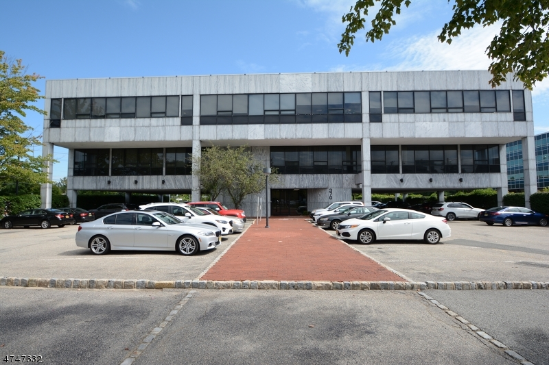 Commercial for Sale at 370 W Passaic Street Rochelle Park, New Jersey 07662 United States