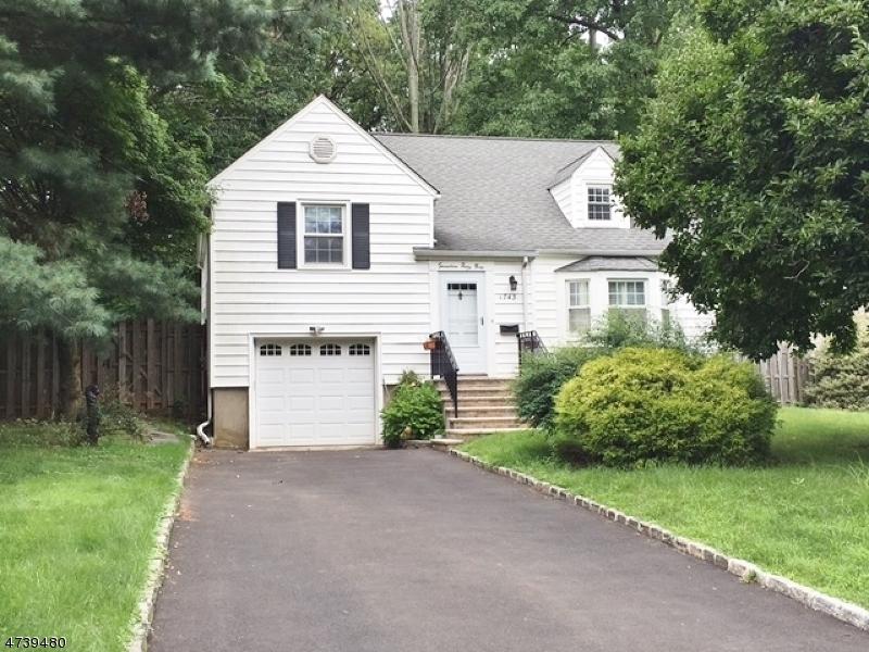 Casa Unifamiliar por un Alquiler en 1743 Ramapo Way Scotch Plains, Nueva Jersey 07076 Estados Unidos