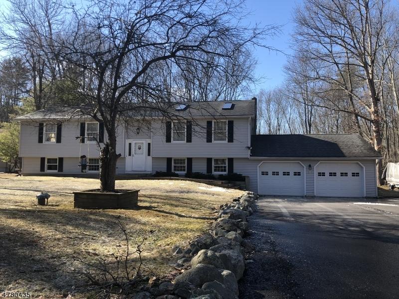 Maison unifamiliale pour l Vente à 13 Old Mashipacong Road Montague, New Jersey 07827 États-Unis