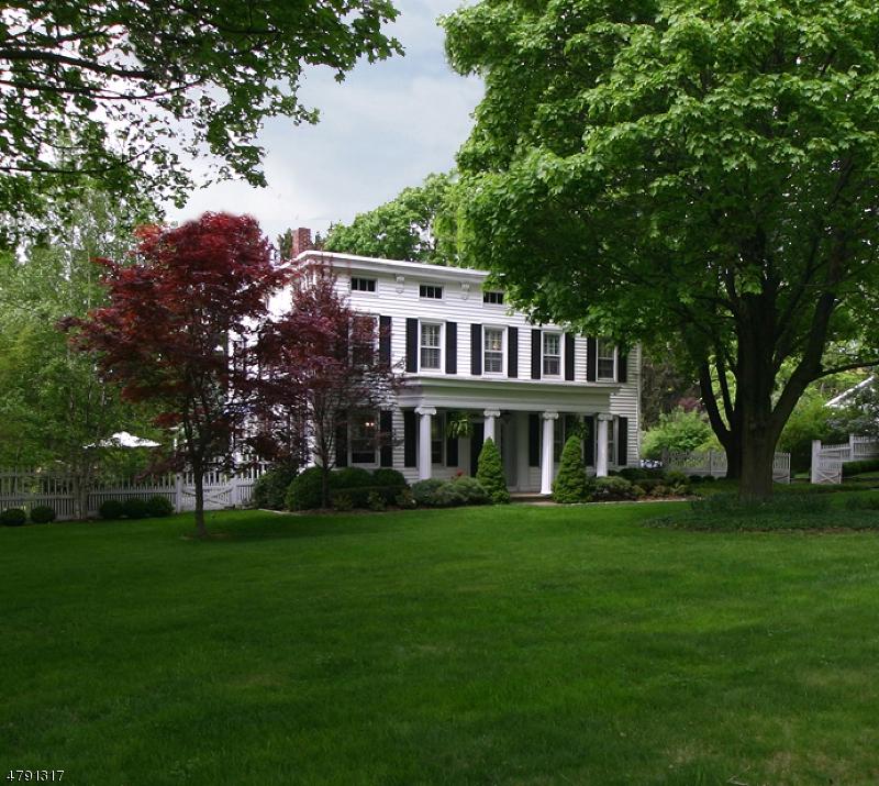 独户住宅 为 销售 在 24 Valley Crest Road 克林顿, 新泽西州 08833 美国