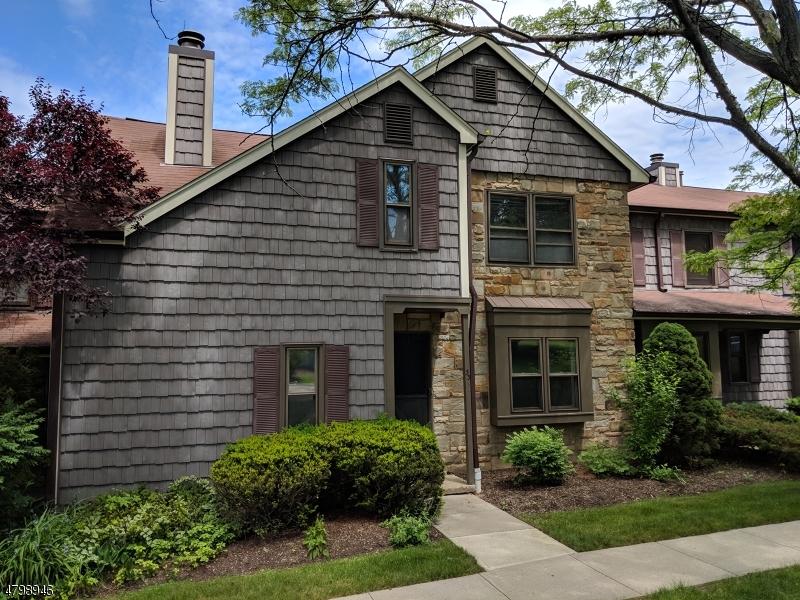 Condo / Maison de ville pour l Vente à 33 Barn Owl Drive Allamuchy, New Jersey 07840 États-Unis