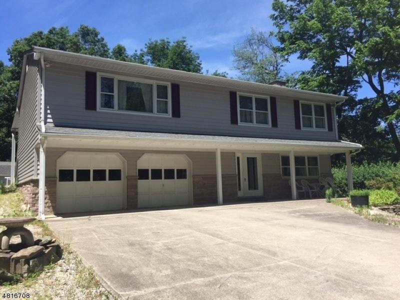 Casa para uma família para Venda às 196 Whitehall Road Andover, Nova Jersey 07821 Estados Unidos
