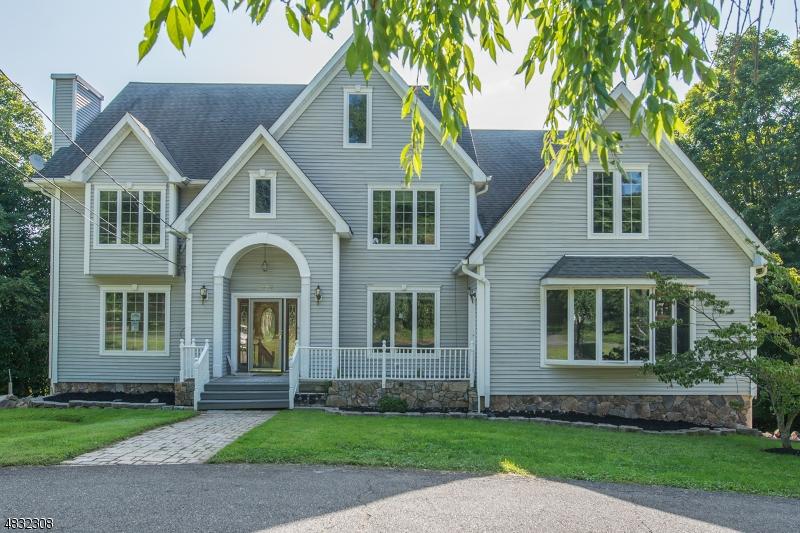 独户住宅 为 销售 在 376 BERKSHIRE VALLEY Road Jefferson Township, 新泽西州 07885 美国