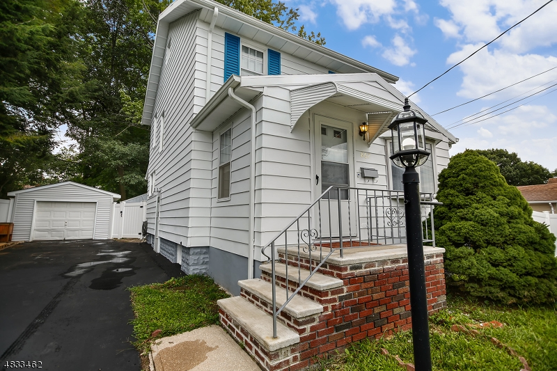 Single Family Home for Sale at 867 S PARK TER Union, New Jersey 07083 United States