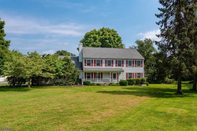 Property için Satış at 2 ROSEWOOD Lane Washington, New Jersey 07882 Amerika Birleşik Devletleri