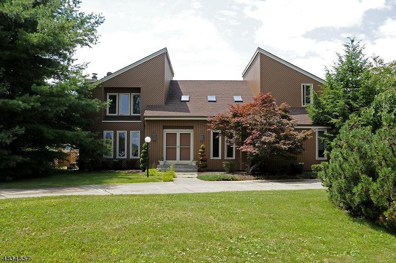 Property för Försäljning vid 451 NAUGHRIGHT Road Washington, New Jersey 07840 Usa