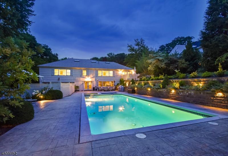 Maison unifamiliale pour l à louer à 46 Slayton Drive Millburn, New Jersey 07078 États-Unis
