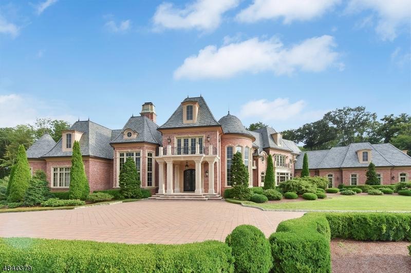 Enfamiljshus för Försäljning vid 10 FARMSTEAD Road Mahwah, New Jersey 07430 Usa