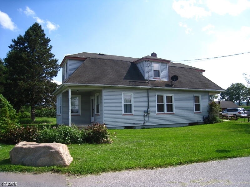 Single Family Home for Sale at 126 BRAINARDS Road Phillipsburg, New Jersey 08865 United States