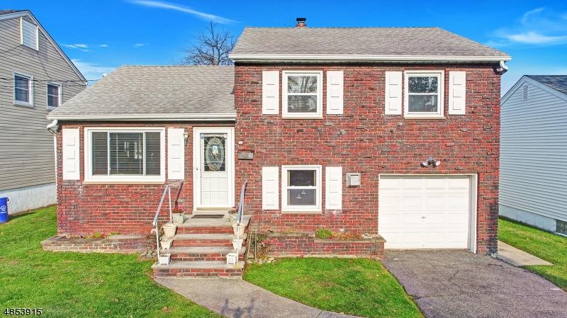 Частный односемейный дом для того Продажа на 10 VANDERBILT Place North Arlington, Нью-Джерси 07031 Соединенные Штаты