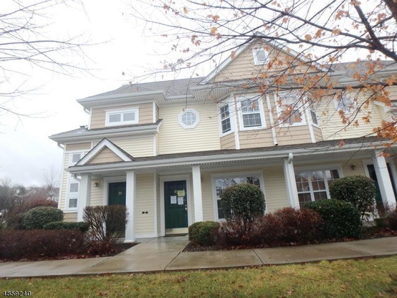 Condo / Casa geminada para Venda às 111 OLD FARM Drive Allamuchy, Nova Jersey 07838 Estados Unidos